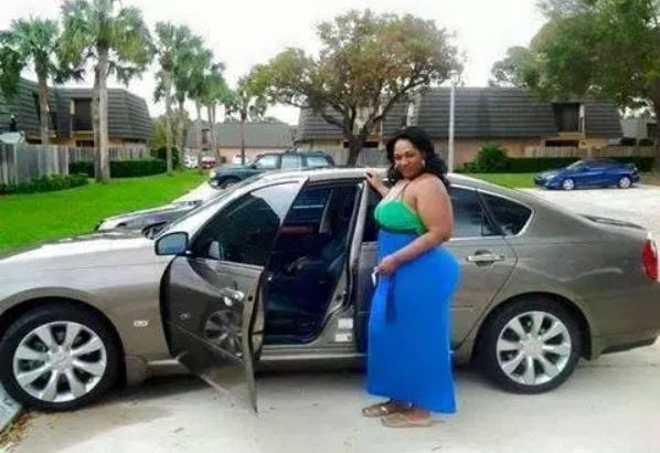 Sugar Mummy in Voi, Kenya and their contacts phone numbers